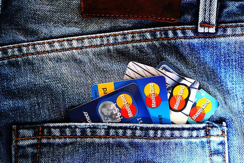 Wszystko co powinniśmy wiedzieć o kartach kredytowych